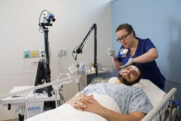 Image of a patient getting an eeg